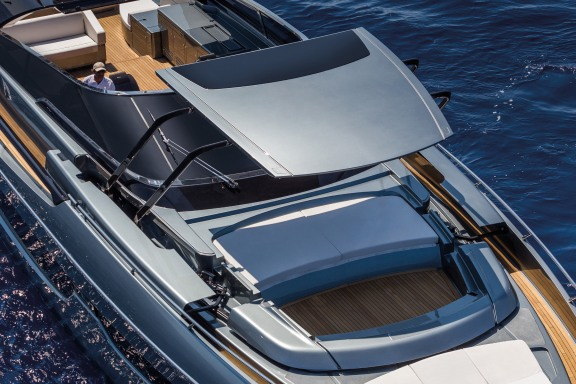 Riva 76 Bahamas_Convertible Top_2.jpg